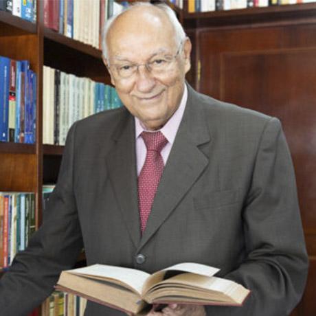 Dr. Ives Gandra Martins